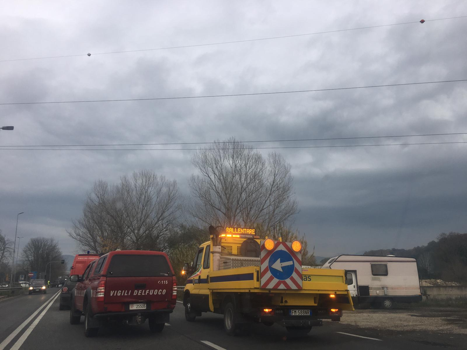 INFERNO SALARIA, IN FIAMME BUS COTRAL
