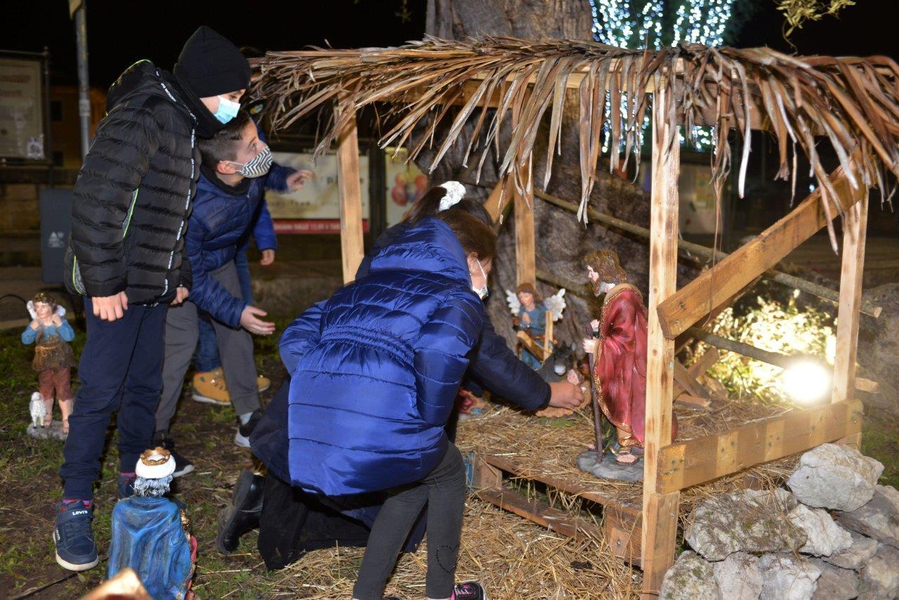 Rieti, piazza Cavour: benedizione con deposizione del Bambinello