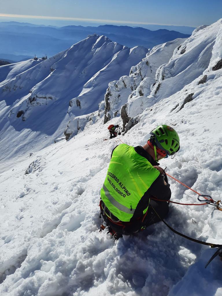 """L'appello del Soccorso Alpino: """"Sì allo sport in montagna, ma quest'anno prima la prudenza"""""""