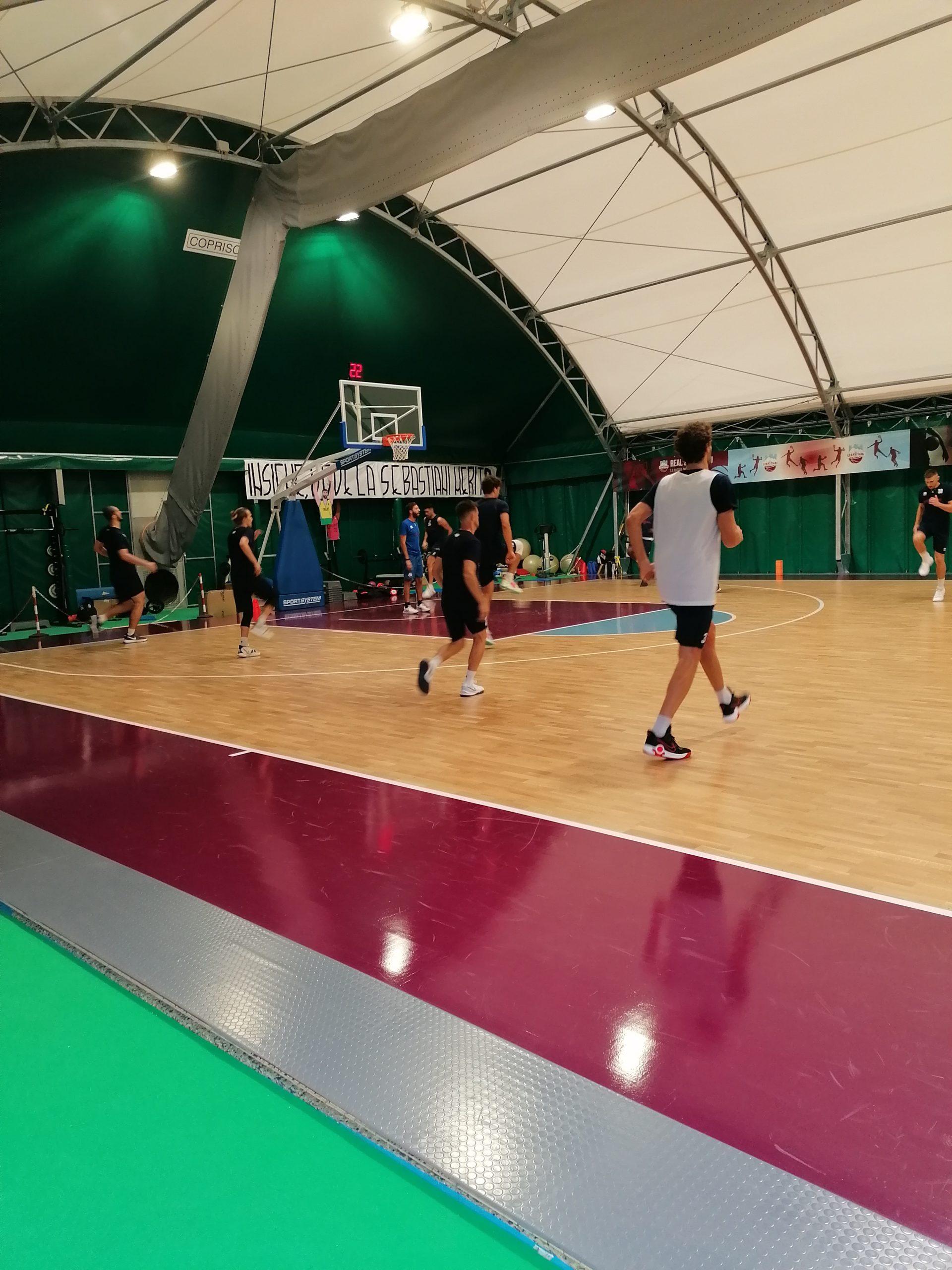 Domenica alle ore 18 la Sebastiani ospita la Del Fes Avellino al PalaSojourner per la Supercoppa