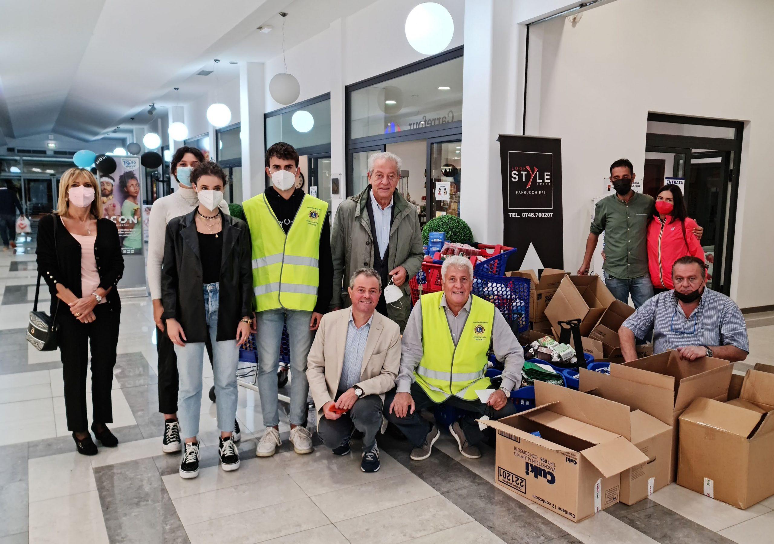 450 kg di alimenti alla parrocchia di Quattro Strade dai Leo e dal Lions Club Rieti Host